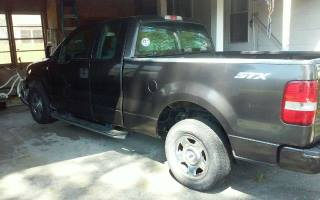 2005 Ford F150 Regular Cab (2 doors)