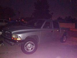 2001 Dodge Dakota Crew Cab (4 doors)