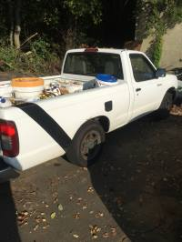 1998 Nissan Frontier Regular Cab (2 doors)